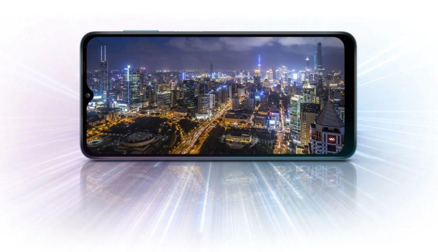 Ekran Samsunga Galaxy A12 ma wyświetlacz HD+.